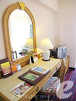 パタヤ サウスパタヤのホテル : ザ ベイビュー パタヤ(The Bayview Pattaya)のテーマ スイートルームの設備 Desk