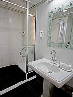 プーケット プールアクセスのホテル : ザ ブリス サウス ビーチ パトン(The Bliss South Beach Patong)のスーペリアルームの設備 Bathroom