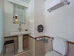 プーケット プールアクセスのホテル : ザ ブリス サウス ビーチ パトン(The Bliss South Beach Patong)のデラックス シービュールームの設備 Bath Room