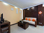 プーケット プールアクセスのホテル : ザ ブリス サウス ビーチ パトン(The Bliss South Beach Patong)のスーペリア スイートルームの設備 Living Room