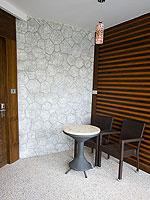 プーケット プールアクセスのホテル : ザ ブリス サウス ビーチ パトン(The Bliss South Beach Patong)のデラックス スイートルームの設備 Entrance