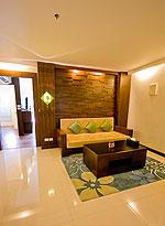プーケット 5,000~10,000円のホテル : ザ ブリス サウス ビーチ パトン(The Bliss South Beach Patong)のプール スイートルームの設備 Living Room