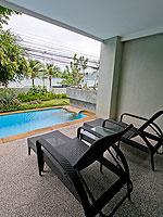 プーケット プールアクセスのホテル : ザ ブリス サウス ビーチ パトン(The Bliss South Beach Patong)のプール スイートルームの設備 Terrace