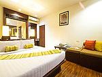 プーケット ファミリー&グループのホテル : ザ ブリーザ ビーチ リゾート カオラック(The Briza Beach Resort Khao Lak)のデラックス ウィズ バルコニールームの設備 Room View