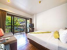 プーケット ファミリー&グループのホテル : ザ ブリーザ ビーチ リゾート カオラック(1)のお部屋「デラックス ウィズ バルコニー」