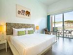 プーケット ファミリー&グループのホテル : ザ ブリーザ ビーチ リゾート カオラック(The Briza Beach Resort Khao Lak)のデラックス プールビュールームの設備 Room View