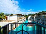 プーケット ファミリー&グループのホテル : ザ ブリーザ ビーチ リゾート カオラック(The Briza Beach Resort Khao Lak)のデラックス プールビュールームの設備 Swimming Pool