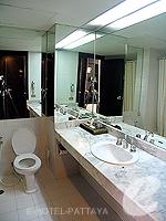 パタヤ シラチャーのホテル : ザ シティー ホテル シラチャ(The City Hotel Sriracha)のスーペリア(シングル)ルームの設備 Bathroom