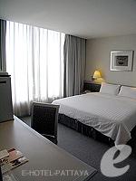パタヤ シラチャーのホテル : ザ シティー ホテル シラチャ(The City Hotel Sriracha)のコーナー スイート (シングル)ルームの設備 Bedroom
