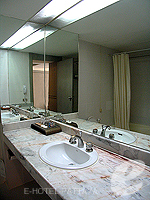 パタヤ シラチャーのホテル : ザ シティー ホテル シラチャ(The City Hotel Sriracha)のエグゼクティブ デラックス (ツイン)ルームの設備 Bathroom