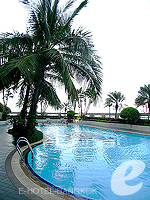 Swimming Pool : The Emerald Hotel, Ratchadapisek, Phuket