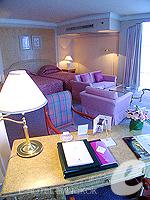 バンコク ファミリー&グループのホテル : ザ エメラルド ホテル(The Emerald Hotel)のデラックス ルームの設備 Living Area