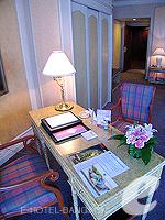 バンコク ファミリー&グループのホテル : ザ エメラルド ホテル(The Emerald Hotel)のデラックス ルームの設備 Sofa Bed