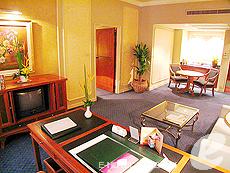 バンコク ファミリー&グループのホテル : ザ エメラルド ホテル(The Emerald Hotel)のお部屋「ジュニアスイート」
