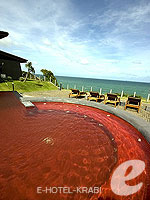 Jacuzzi / The Houben Hotel, เกาะลันตา