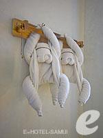 サムイ島 10,000~20,000円のホテル : ザ カラ サムイ(The Kala Samui)のデラックスルームの設備 Towel Work