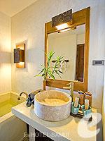 サムイ島 10,000~20,000円のホテル : ザ カラ サムイ(The Kala Samui)のデラックスルームの設備 Bathroom