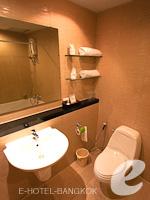 バンコク カップル&ハネムーンのホテル : ザ キー スクンビット バンコク バイ コンパス ホスピタリティ(The Key Sukhumvit Bangkok by Compass Hospitality)のゴールドキー スーペリアルームの設備 Bathroom