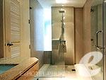 プーケット 会議室ありのホテル : ザ ランタン リゾート パトン(The Lantern Resort Patong)のファミリー ペントルームの設備 Bath Room