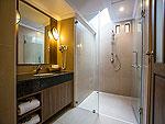 プーケット ヴィラコテージのホテル : ザ リーフ オン ザ サンズ(The Leaf On The Sands)の チャーレットルームの設備 Bath Room