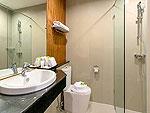 プーケット ヴィラコテージのホテル : ザ リーフ オーシャンサイド(The Leaf Oceanside)のリーフルームの設備 Bath Room