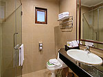 プーケット カオラックのホテル : ザ リーフ オーシャンサイド(The Leaf Oceanside)のコテージルームの設備 Bath Room