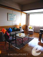 プーケット プーケットタウンのホテル : ザ メトロポール ホテル プーケット(The Metropole Hotel Phuket)のエグゼクティブスイートルームの設備 Living Room
