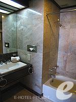 プーケット 5,000円以下のホテル : ザ メトロポール ホテル プーケット(The Metropole Hotel Phuket)のエグゼクティブスイートルームの設備 Bath Room