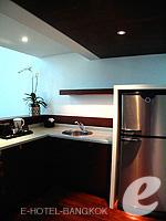 バンコク シーロム・サトーン周辺のホテル : コモ メトロポリタン バンコク(COMO Metropolitan Bangkok)のペントハウス スイートルームの設備 Kitchen