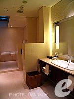 バンコク シーロム・サトーン周辺のホテル : コモ メトロポリタン バンコク(COMO Metropolitan Bangkok)のペントハウス スイートルームの設備 Bath Room