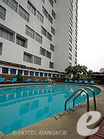 Swimming Pool / The Montien Hotel Bangkok, ศาลาแดง