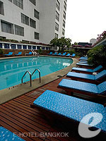 Poolside / The Montien Hotel Bangkok, ศาลาแดง