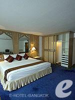 バンコク シーロム・サトーン周辺のホテル : ザ モンティエン ホテル バンコク(The Montien Hotel Bangkok)のデラックスルームの設備 Bedroom