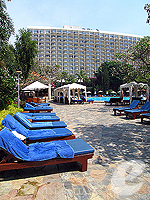 Poolside : The Imperial Pattaya Hotel, North Pattaya, Phuket