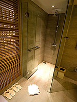 プーケット パトンビーチのホテル : ザ ナップ パトン(The Nap Patong)のデイ ドリーム デラックスルームの設備 Bath room
