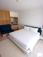 プーケット パトンビーチのホテル : ザ ナップ パトン(The Nap Patong)のプルンジ プール デイドリーム デラックスルームの設備 Bed Room