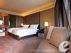 バンコク カップル&ハネムーンのホテル : ザ オークラ プレステージ バンコク(The Okura Prestige Bangkok)のお部屋「デラックス ステージ」