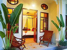 プーケット カロンビーチのホテル : ザ オールド プーケット カロン ビーチ リゾート(1)のお部屋「テラス デラックス/シノウィング」