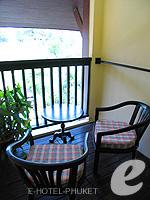 プーケット カロンビーチのホテル : ザ プーリン リゾート(The Phulin Resort)のデラックスルームの設備 Balcony