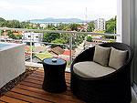 プーケット スリンビーチのホテル : ザ クウォーター プーケット リゾート(The Quarter Phuket Resort)のラグジュアリー プール スイートルームの設備 Balcony
