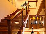 プーケット スリンビーチのホテル : ザ クウォーター プーケット リゾート(The Quarter Phuket Resort)のサンクチュアリ ロイヤル スイートルームの設備 Stairs