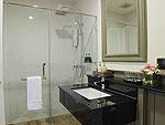 バンコク シーロム・サトーン周辺のホテル : ザ ラヤ スラウォング バンコク(The Raya Surawong Bangkok)のスイート ダブルルームの設備 Bathroom