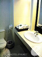プーケット パトンビーチのホテル : ザ ロイヤル パーム ビーチフロント(The Royal Palm Beach Front)のスーペリアルームの設備 Bath Room