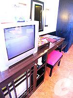 プーケット パトンビーチのホテル : ザ ロイヤル パーム ビーチフロント(The Royal Palm Beach Front)のデラックスルームの設備 Room facilities
