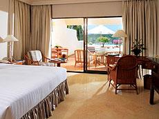 プーケット オーシャンビューのホテル : ザ ナイハーン(1)のお部屋「オーシャン フロント グランド スーペリア」