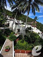 プーケット その他・離島のホテル : ザ ナイハーン(The Nai Harn)のオーシャンフロント デラックスルームの設備 Balcony