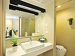 プーケット スパ併設のホテル : ザ サンズ カオ ラック(The Sands Khao Lak)のサンズルームの設備 Bath Room