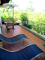プーケット ビーチフロントのホテル : ザ サロジン(The Sarojin)のスパ スイートルームの設備 Terrace
