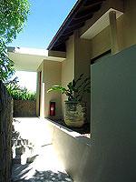 プーケット ビーチフロントのホテル : ザ サロジン(The Sarojin)のスパ スイートルームの設備 Entrance