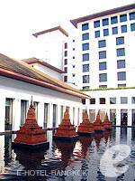Chedi Ponds : The Sukhothai Bangkok, Couple & Honeymoon, Phuket